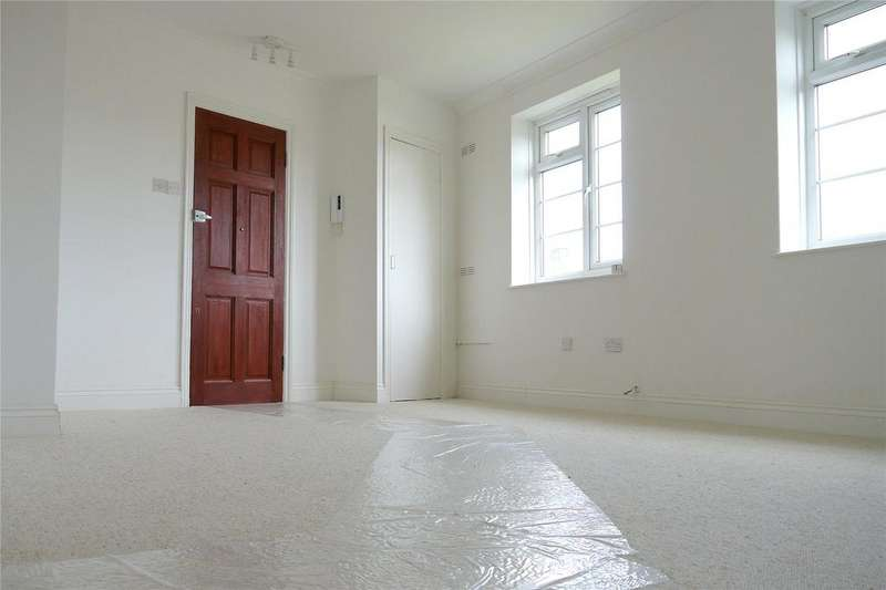 2 Bedrooms Flat for sale in Chesterfield Flats, Bells Hill, Barnet, EN5