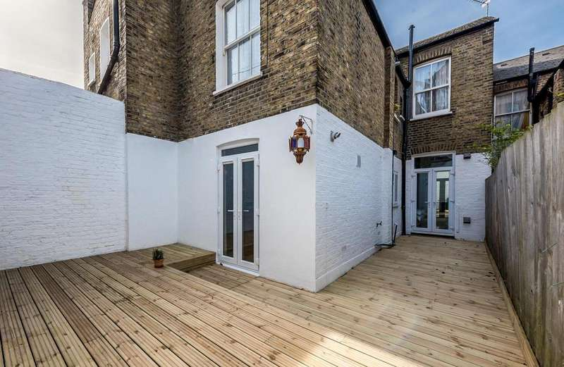 1 Bedroom Apartment Flat for sale in TAYBRIDGE ROAD, SW11