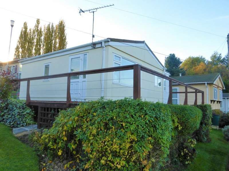 1 Bedroom Detached Bungalow for sale in Lower Road, East Farleigh
