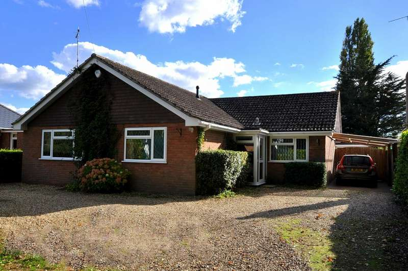 3 Bedrooms Detached Bungalow for sale in Hightown, Ringwood, BH24 3DY