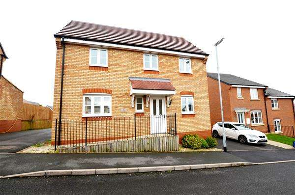 4 Bedrooms Detached House for sale in Canary Grove, Wulfstan Grange, Newcastle-under-Lyme