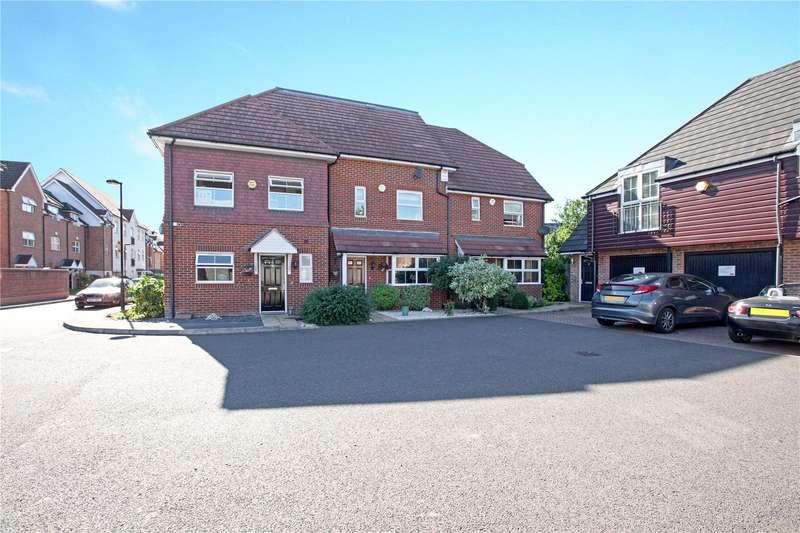 3 Bedrooms Terraced House for sale in Benjamin Lane, Wexham, Slough, SL3