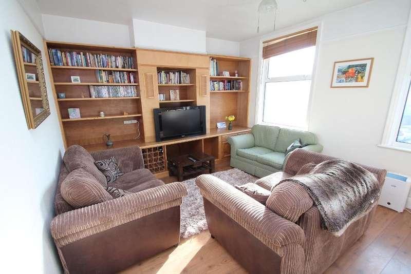3 Bedrooms Maisonette Flat for sale in Portland Road, Hove, BN3 5QJ