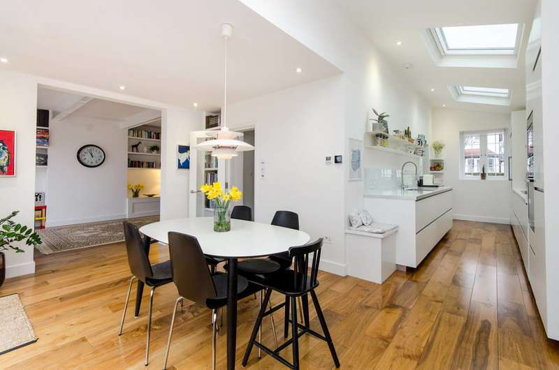 5 Bedrooms Semi Detached House for sale in The Chase, Streatham Common, SW16