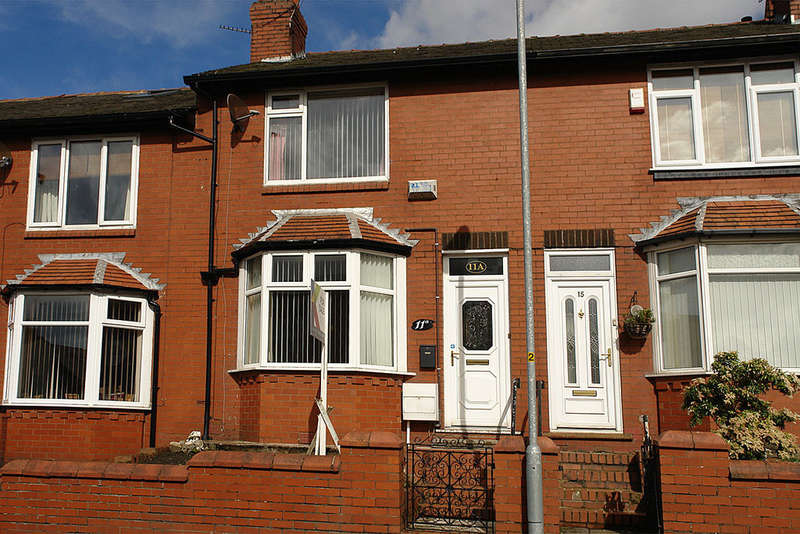 2 Bedrooms Terraced House for sale in 11a Alva Road, Oldham