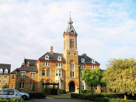 2 Bedrooms Apartment Flat for sale in Elizabeth House, Watford, Hertfordshire, WD24 4RE