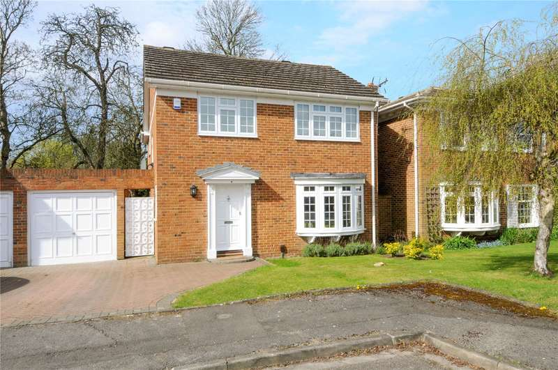 4 Bedrooms Detached House for sale in Molesey Park Close, East Molesey, Surrey, KT8