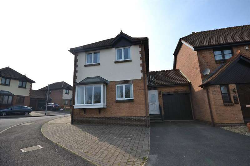 3 Bedrooms House for sale in Cook Avenue, Chard, Somerset, TA20