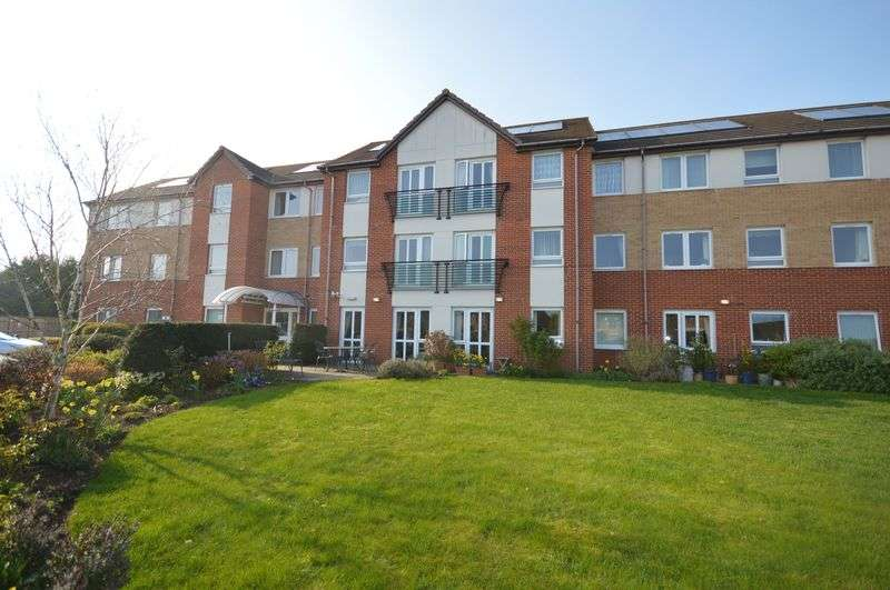 1 Bedroom Flat for sale in Lucas Gardens, Luton