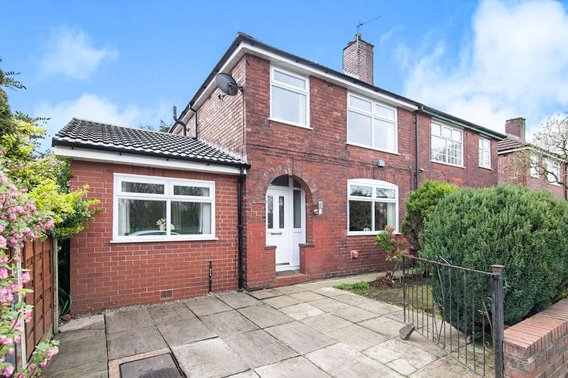 3 Bedrooms Semi Detached House for sale in Agecroft Road, Pendlebury,Swinton, Manchester, M27