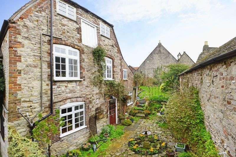 3 Bedrooms Cottage House for sale in High West Street, Dorchester, DT1