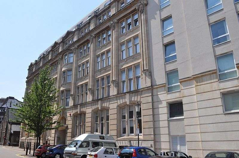 2 Bedrooms Flat for sale in Cymric Buildings, West Bute Street, Cardiff. CF10 5LL