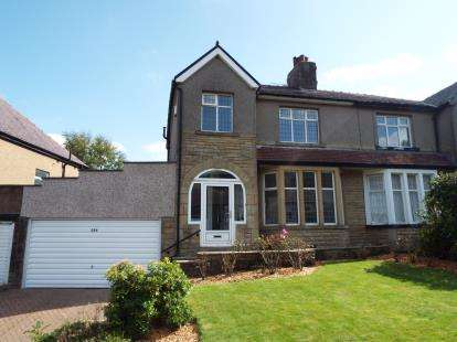 3 Bedrooms Semi Detached House for sale in Todmorden Road, Burnley, Lancashire, BB11