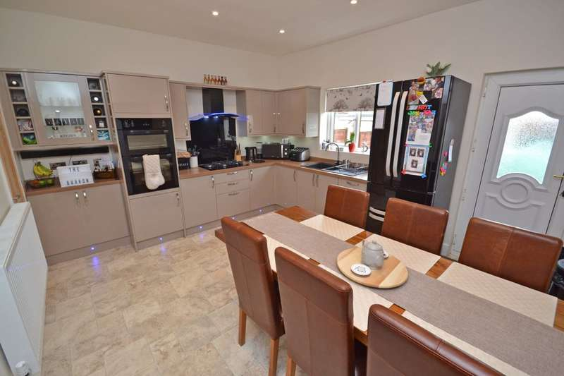 2 Bedrooms Semi Detached House for sale in Wakefield, West Yorkshire
