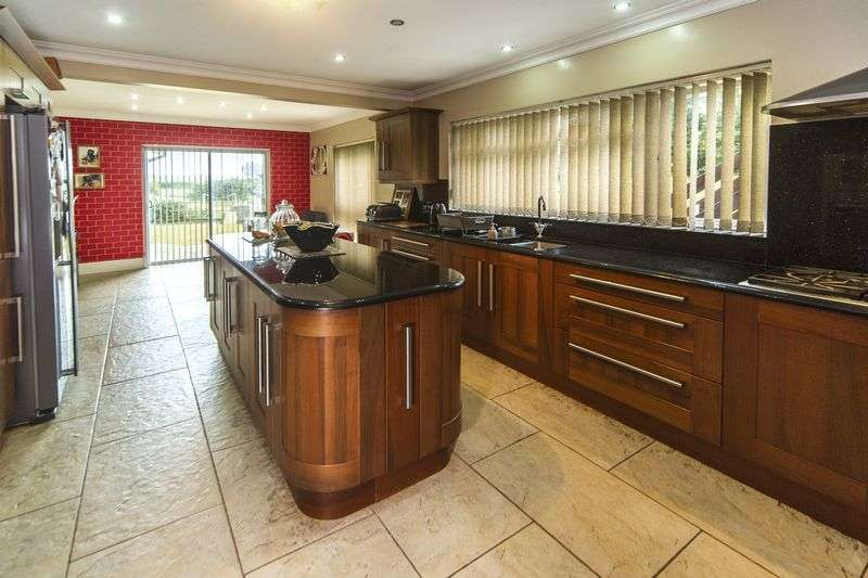 4 Bedrooms Detached House for sale in Perton Road, Wightwick, Wolverhampton