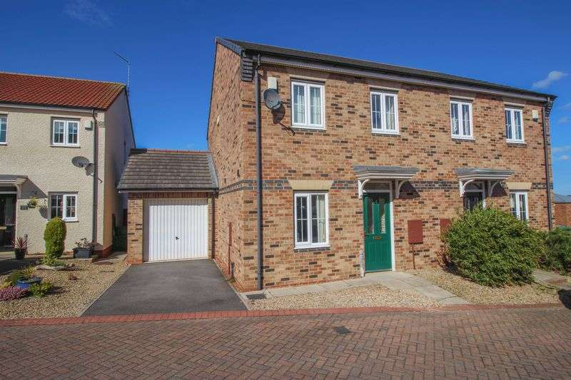 3 Bedrooms Semi Detached House for sale in Gibsons Court, Blaydon