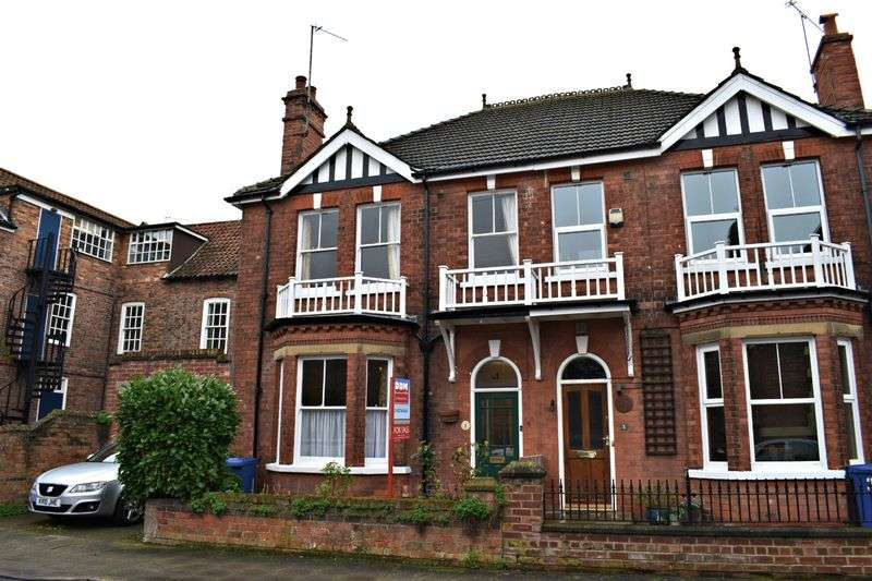 3 Bedrooms Semi Detached House for sale in Bright Street, Gainsborough