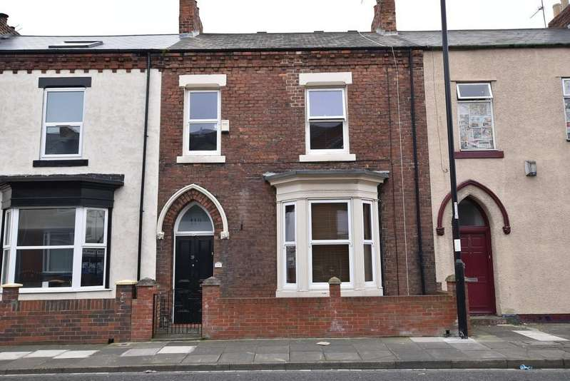 3 Bedrooms Terraced House for sale in Roker Avenue, Roker