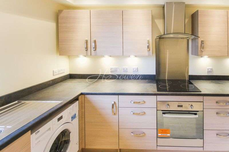 2 Bedrooms Maisonette Flat for sale in Seaford Sands, Roundham Road, Paignton