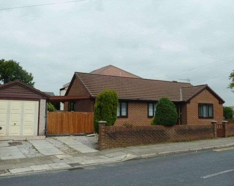 3 Bedrooms Bungalow for sale in Brandlesholme Road, Bury