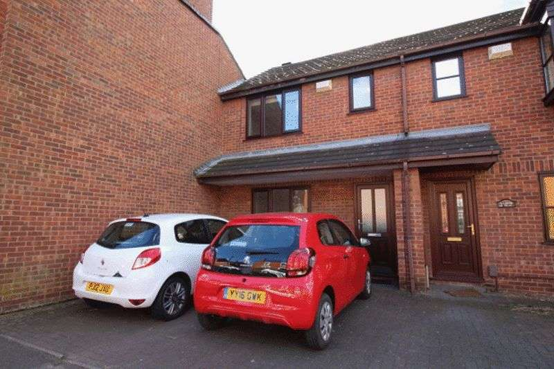 2 Bedrooms Terraced House for sale in Aldreth Villas, Saxon Street, Uphill, Lincoln