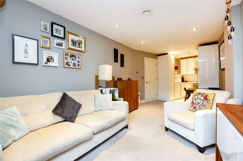 2 Bedrooms Flat for sale in Magdalen Road, London, SW18