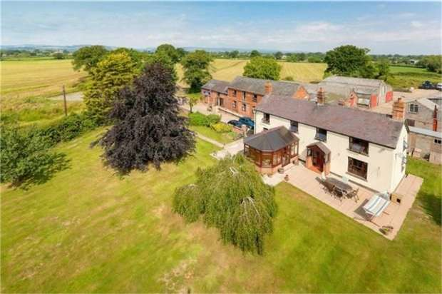 4 Bedrooms Detached House for sale in Bryn Goleu, St Martins, Oswestry, Shropshire