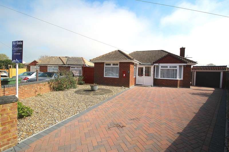 2 Bedrooms Detached Bungalow for sale in Alexander Grove, Fareham