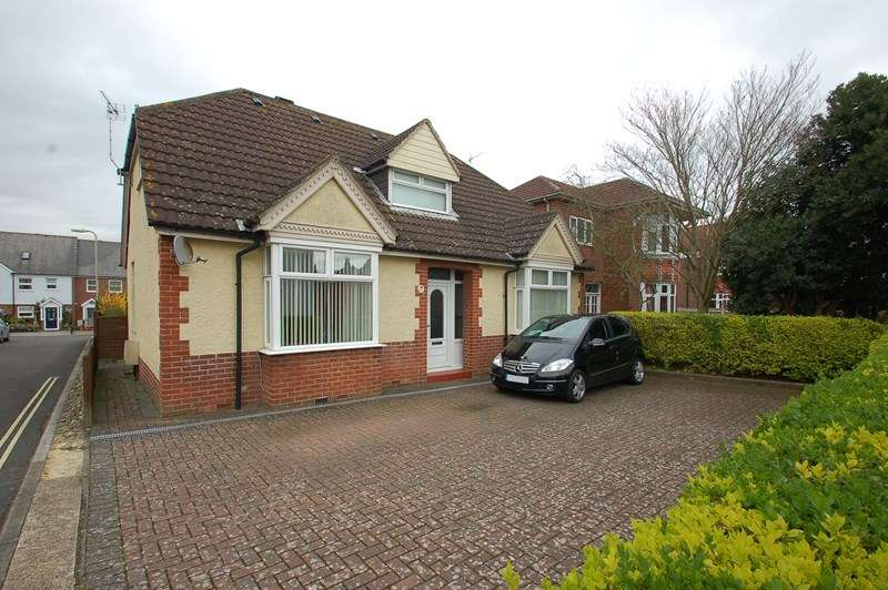 4 Bedrooms Detached Bungalow for sale in Priory Road, Hardway, Gosport