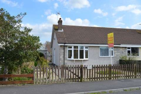 2 Bedrooms Semi Detached Bungalow for sale in Blenheim Close, Worle, Weston-super-Mare