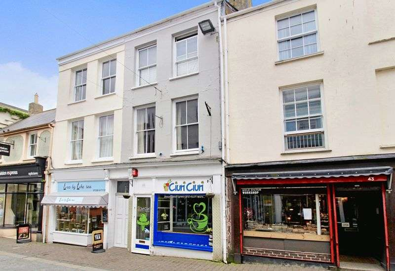 3 Bedrooms Flat for sale in Church Street, Falmouth