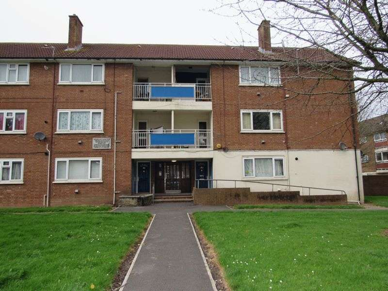 2 Bedrooms Flat for sale in Heol Trelai Caerau Cardiff CF5 5PG