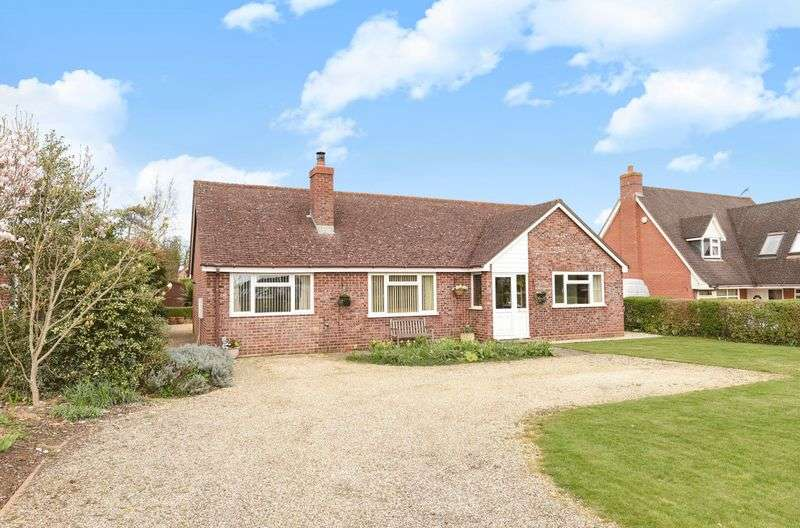 3 Bedrooms Detached Bungalow for sale in Besselsleigh Road, Wootton
