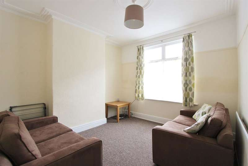 4 Bedrooms Terraced House for rent in Warwick Terrace, Sheffield, S10 1LY