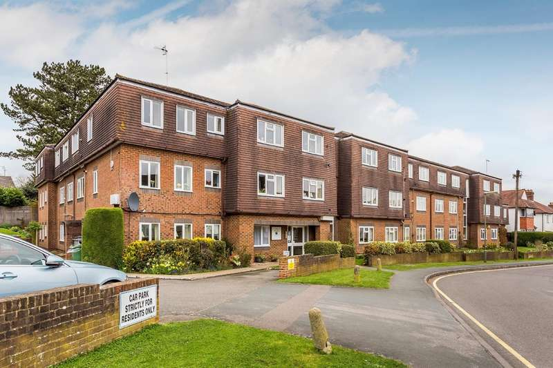 1 Bedroom Flat for sale in Beatrice Road, Oxted
