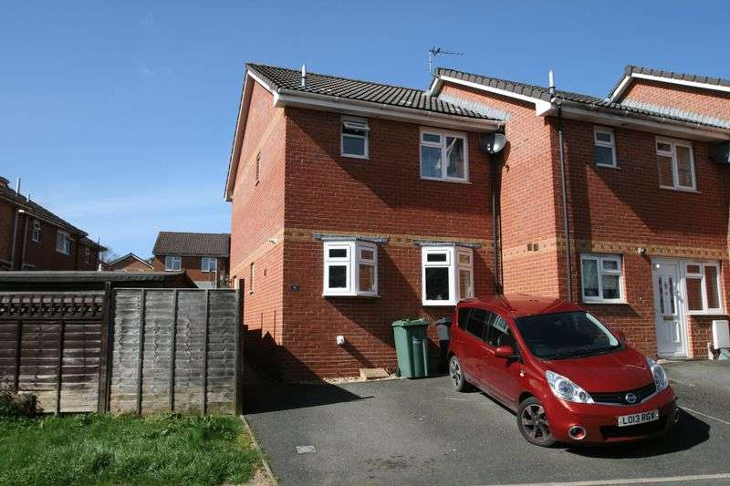 2 Bedrooms Terraced House for sale in Nelson Drive, Cowes
