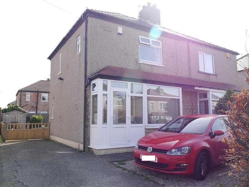 3 Bedrooms Semi Detached House for sale in Oakdale Drive, Wrose, Shipley, BD18 1PD