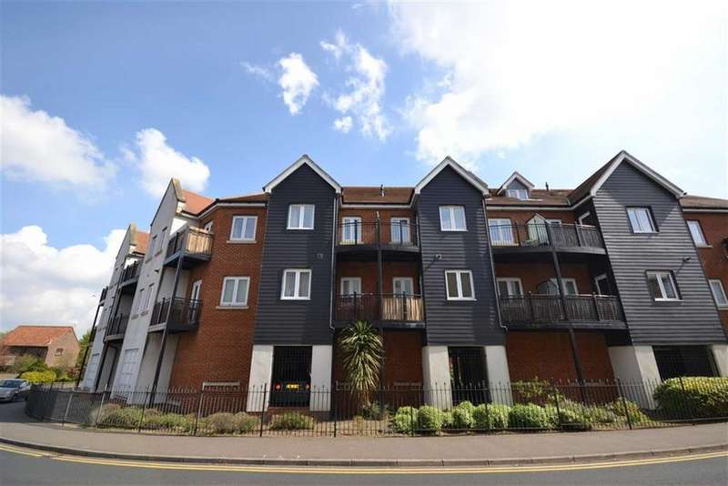 1 Bedroom Apartment Flat for sale in Tylers Ride, South Woodham Ferrers, Essex