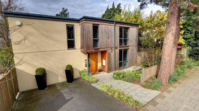 4 Bedrooms Detached House for sale in Parkside Avenue, Bickley, Kent