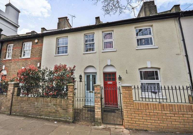 3 Bedrooms Terraced House for sale in Waldegrave Road, Teddington