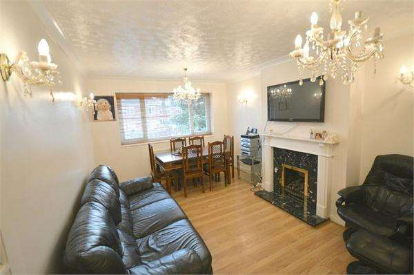 3 Bedrooms Apartment Flat for sale in High Road, Leavesden, Watford, Hertfordshire, WD25