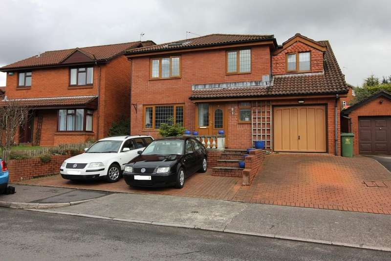 5 Bedrooms Detached House for sale in Copperfield Drive, Thornhill