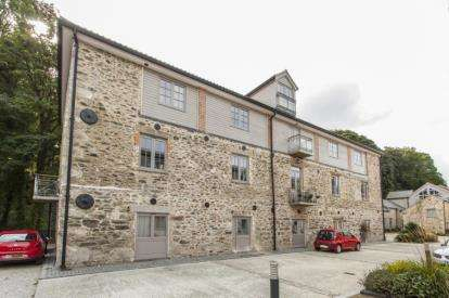 2 Bedrooms Flat for sale in Perranarworthal, Truro