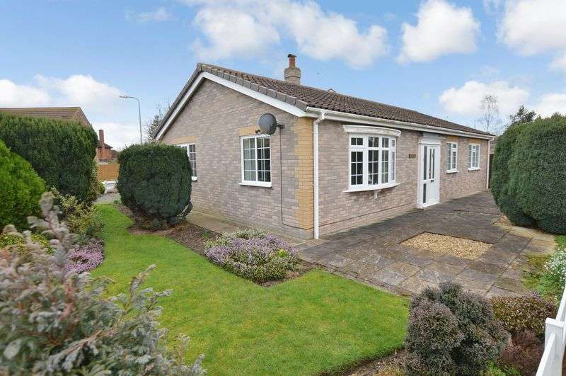 3 Bedrooms Detached Bungalow for sale in Farthings, Thorpe Place, Tattershall