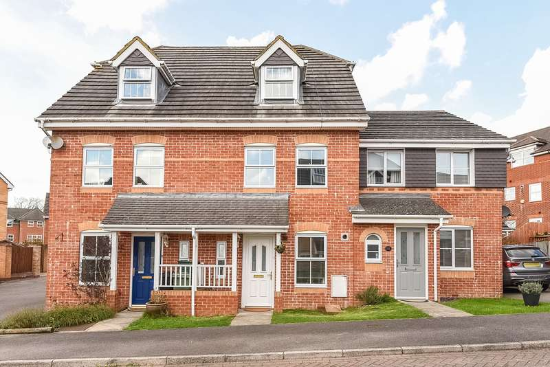 3 Bedrooms Town House for sale in Rycroft Meadow, Beggarwood, Basingstoke, RG22