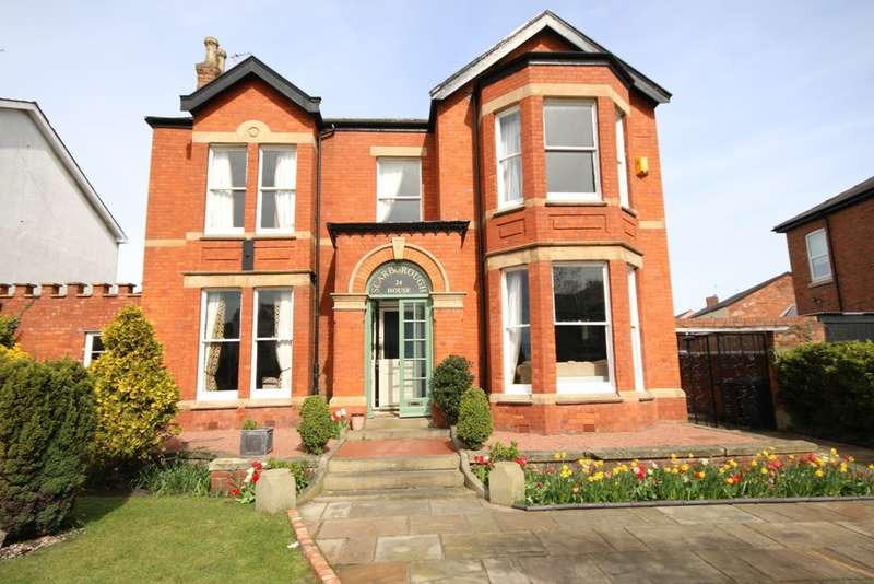 4 Bedrooms Detached House for sale in Crescent Road, Birkdale, Southport