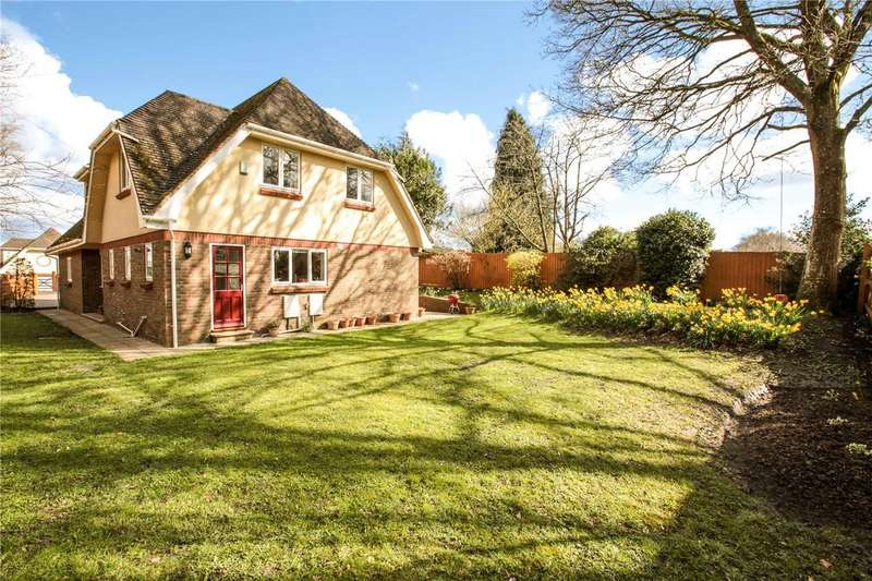 4 Bedrooms Detached House for sale in Leigh Lane, Wimborne, Dorset, BH21