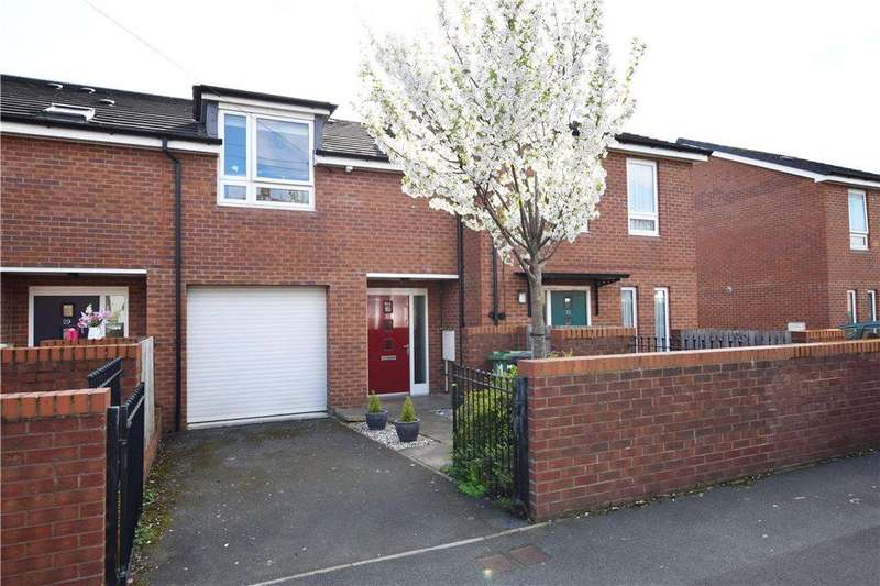 3 Bedrooms Terraced House for sale in Farrow Road, Leeds, West Yorkshire