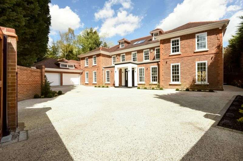 7 Bedrooms Detached House for sale in Rogers Ruff, Northwood, Middlesex
