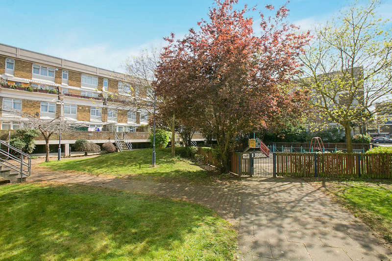 4 Bedrooms Flat for sale in Burrow House Stockwell Park Road, London, SW9